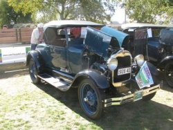 Greg's 1928 Roadster, winner of the Touring class at Taupo national Model A Rally easter 2009.JPG