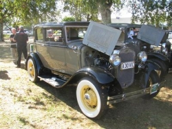 Keith and Margaret Watson's 1930 Victoria, winner of the Modified class at the Taupo National Model A Rally Easter 2009.JPG