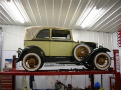 Errol McAlpine imported this 1931 A400 from the USA and is currently undertaking a full restoration on it. 2006..jpg