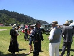 The 2007 Model A Club Xmas Party was an era dress up posh picnic, at Bruce and Colleen Smith's Thames porperty by the sea.p.jpg